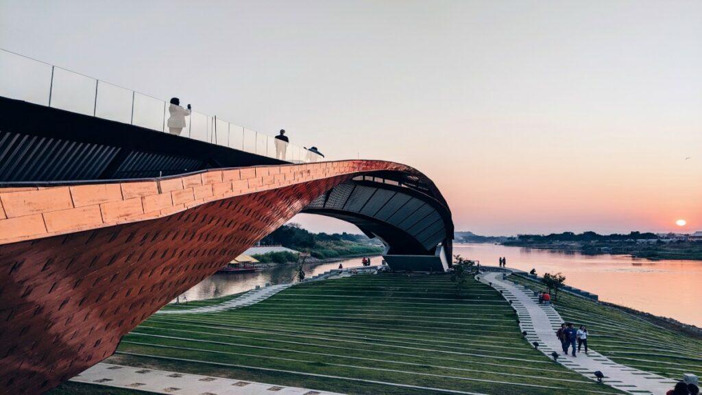 Bridge - APIs Integration